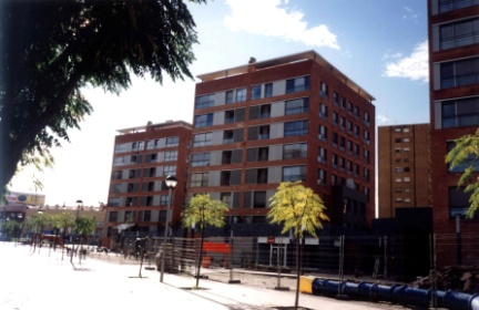 Edifici plurifamiliar de 180 habitatges i urbanització a Rubí