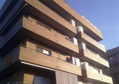 Façana edifici C. Art 15 a Rubí
